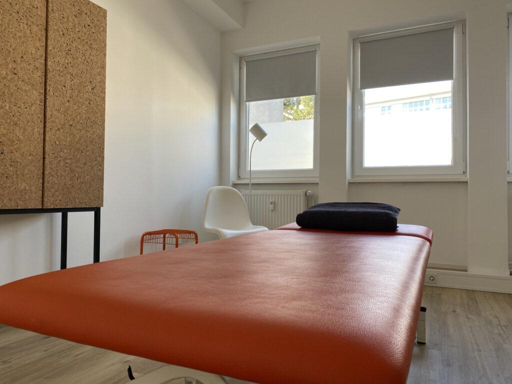 Liege in der Praxis für Ergotherapie Saarbrücken - Christopher Reichardt